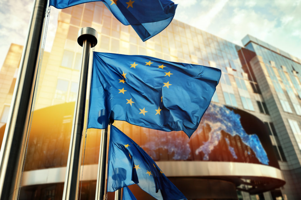 Europe-drapeaux-UE-MGDIS